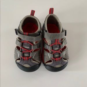 KEEN Red/Gray Sandals - Infant Size 5